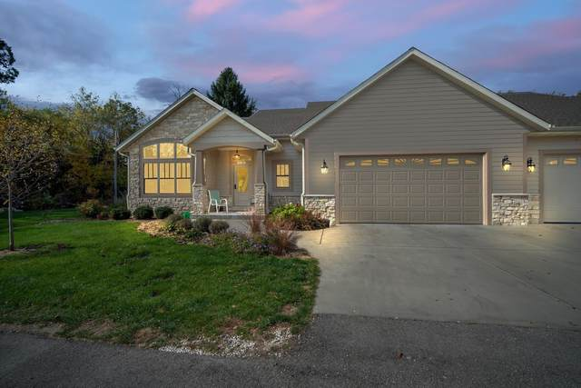 18150 Hoffman Ave B, Brookfield, WI 53045 (#1714866) :: OneTrust Real Estate