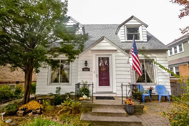 2631 N 75th St, Wauwatosa, WI 53213 (#1714893) :: Tom Didier Real Estate Team
