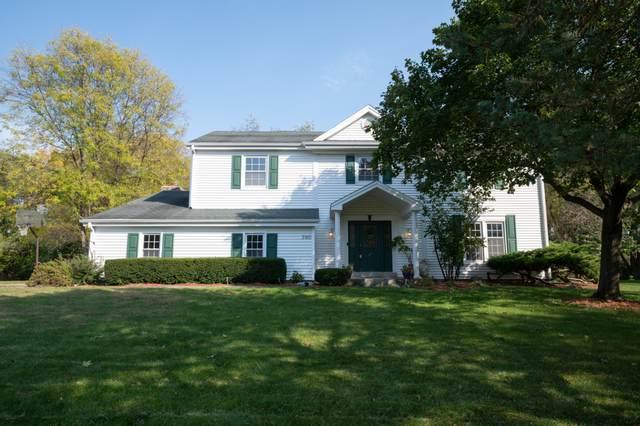 3160 San Juan Trl, Brookfield, WI 53005 (#1714934) :: Tom Didier Real Estate Team