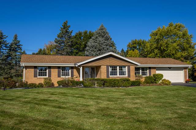 18760 Rolling Meadow Ct, Brookfield, WI 53045 (#1715013) :: RE/MAX Service First Service First Pros
