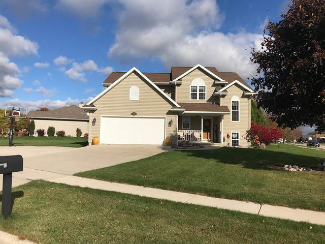 804 River Bluff Dr, Manitowoc, WI 54220 (#1715078) :: Tom Didier Real Estate Team