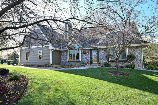 S84W19775 Loveland Ct, Muskego, WI 53150 (#1715245) :: RE/MAX Service First Service First Pros
