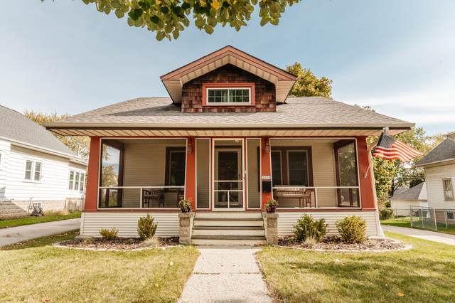 2058 S 93rd St, West Allis, WI 53227 (#1715389) :: NextHome Prime Real Estate