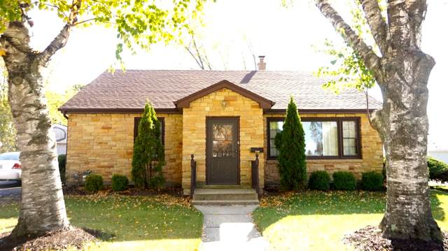 745 15th Ave, Union Grove, WI 53182 (#1715415) :: RE/MAX Service First