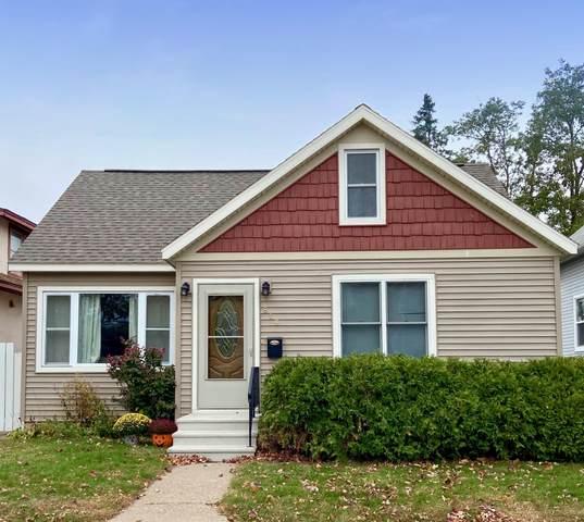 818 S 19th St S, La Crosse, WI 54601 (#1715646) :: OneTrust Real Estate