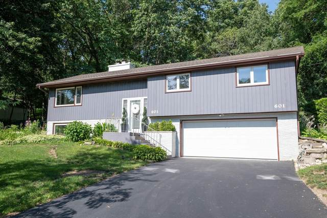 601 Lee Ct, Waukesha, WI 53186 (#1715837) :: OneTrust Real Estate
