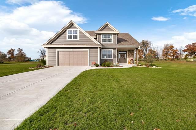 2015 Sunny Slope Ct, Slinger, WI 53086 (#1715856) :: OneTrust Real Estate