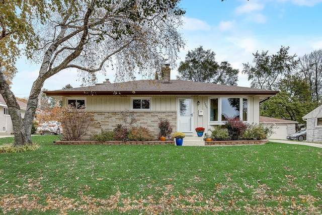 2886 S 97th St, West Allis, WI 53227 (#1715926) :: NextHome Prime Real Estate