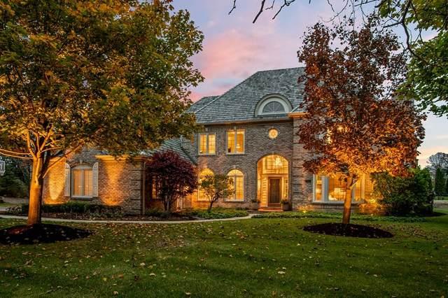 10416 N Pine Ridge Cir, Mequon, WI 53092 (#1715982) :: Tom Didier Real Estate Team