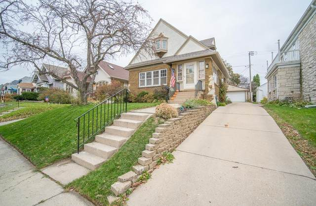 2112 N 61st St, Wauwatosa, WI 53213 (#1715983) :: OneTrust Real Estate