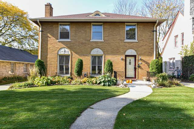2513 N 81st St, Wauwatosa, WI 53213 (#1715997) :: RE/MAX Service First