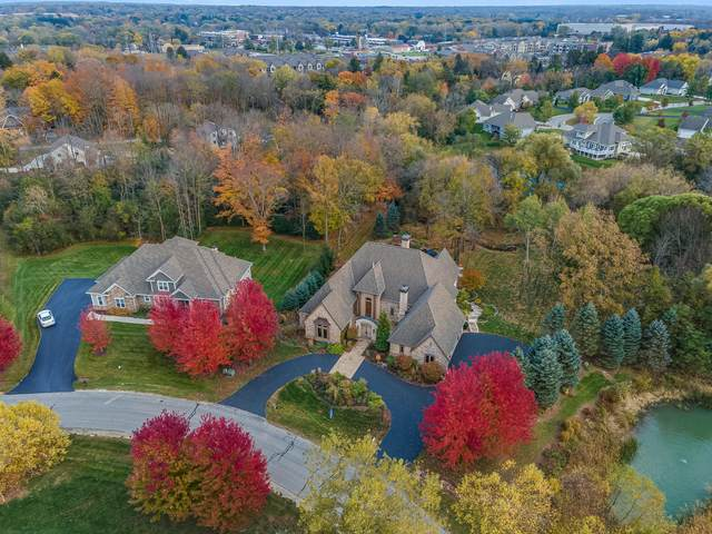 11390 N Creekside Ct, Mequon, WI 53092 (#1716014) :: Tom Didier Real Estate Team