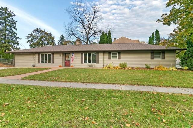 702 Short St, Fort Atkinson, WI 53538 (#1716017) :: RE/MAX Service First