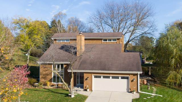 2905 West View Ct, Waukesha, WI 53188 (#1716036) :: Tom Didier Real Estate Team
