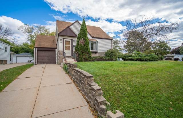 2748 S 96th St, West Allis, WI 53227 (#1716042) :: NextHome Prime Real Estate