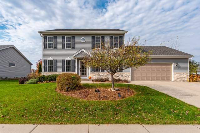 435 Boyd Ln, Hartford, WI 53027 (#1716043) :: Tom Didier Real Estate Team