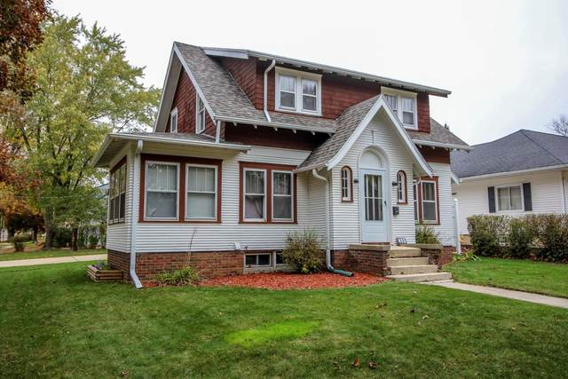 403 E Linden Dr, Jefferson, WI 53549 (#1716056) :: RE/MAX Service First