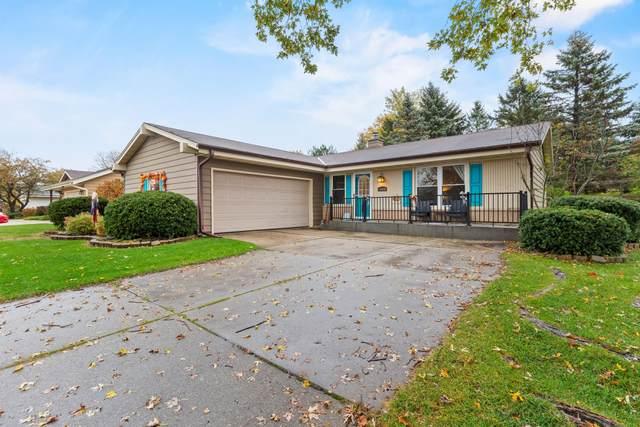 W164N10536 Timberline Ct, Germantown, WI 53022 (#1716094) :: Tom Didier Real Estate Team