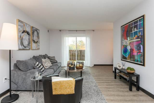 W158N11137 Legend Avenue #6, Germantown, WI 53022 (#1716136) :: Tom Didier Real Estate Team