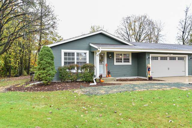 S80W16995 Dlynn Ct, Muskego, WI 53150 (#1716165) :: RE/MAX Service First Service First Pros