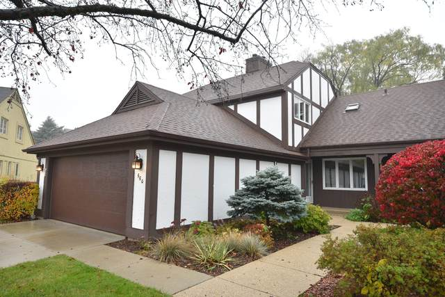 660 W Mulberry Ct #51, Bayside, WI 53217 (#1716169) :: NextHome Prime Real Estate