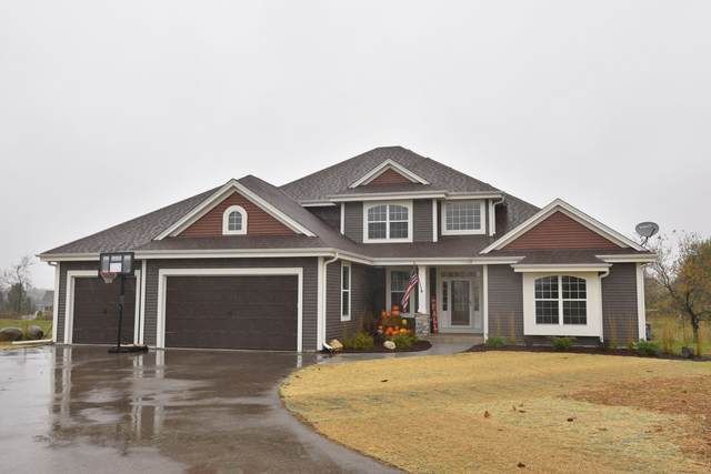N74W27324 Howards Pass, Lisbon, WI 53089 (#1716171) :: NextHome Prime Real Estate
