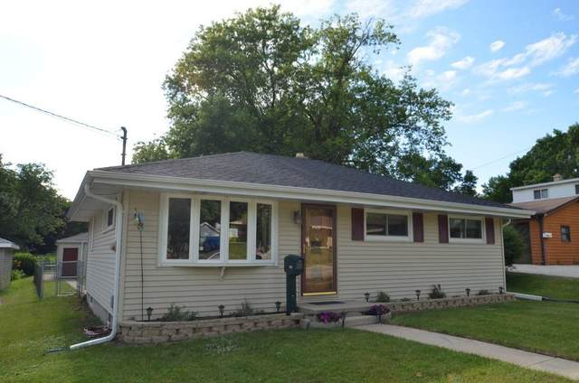 1512 N Grandview Blvd, Waukesha, WI 53188 (#1716194) :: NextHome Prime Real Estate