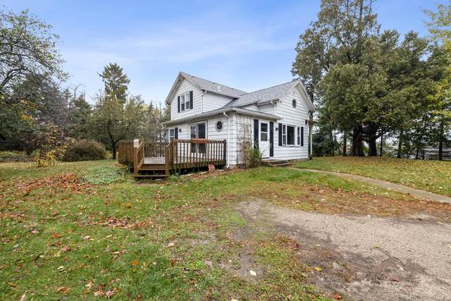 6289 E State Highway 60, Hartford, WI 53027 (#1716222) :: Tom Didier Real Estate Team