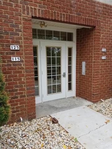 2135 Rainbow Lake Ln #125, West Bend, WI 53090 (#1716242) :: Tom Didier Real Estate Team