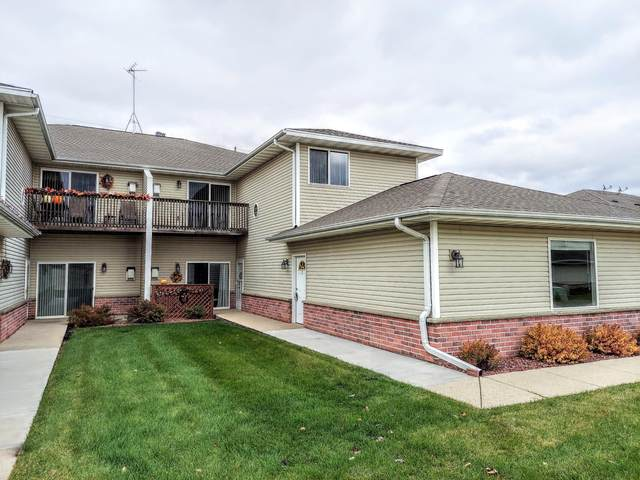 350 Brookside Dr #7, Mayville, WI 53050 (#1716256) :: Tom Didier Real Estate Team