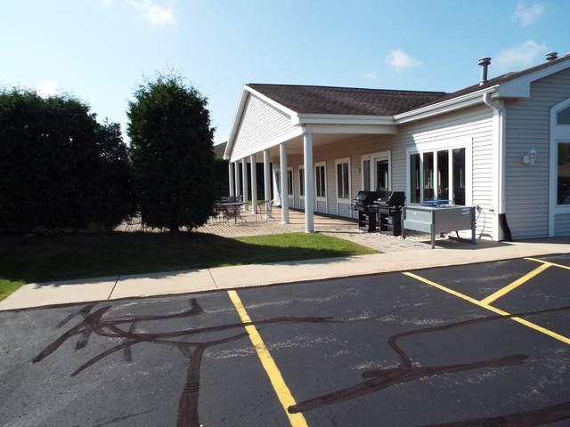 565 Hartford Sq, Hartford, WI 53027 (#1716281) :: OneTrust Real Estate