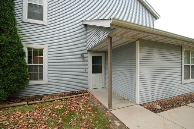 581 Slinger Rd #3, Slinger, WI 53086 (#1716318) :: OneTrust Real Estate