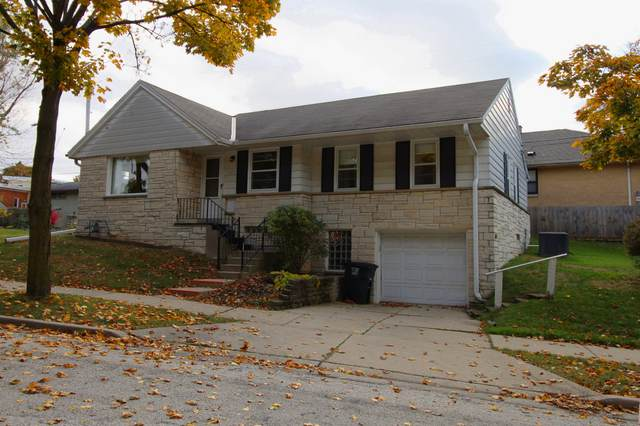10404 W Woodward Ave, Wauwatosa, WI 53222 (#1716333) :: RE/MAX Service First