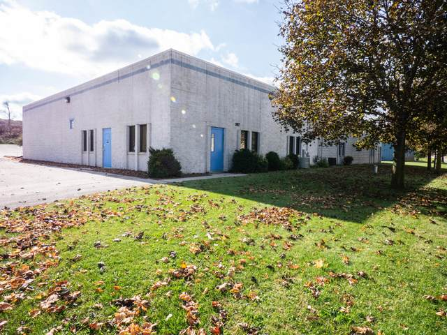 3017 Beechwood Industrial Ct, Richfield, WI 53033 (#1716360) :: OneTrust Real Estate