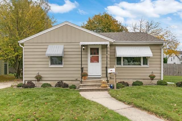 3723 16th Ave, Kenosha, WI 53140 (#1716409) :: OneTrust Real Estate