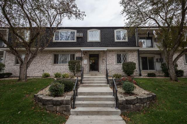 141 North St #11, Waukesha, WI 53188 (#1716431) :: Tom Didier Real Estate Team