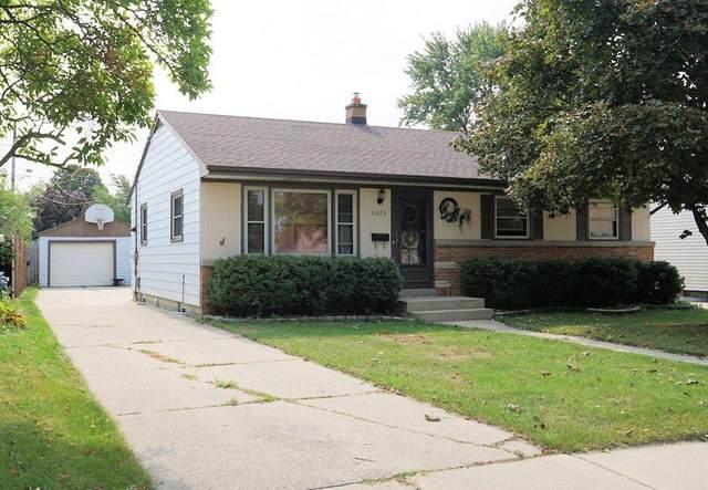 6423 W Warnimont Ave, Milwaukee, WI 53220 (#1716441) :: Tom Didier Real Estate Team