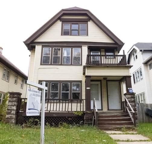 2713 N 47th St #2715, Milwaukee, WI 53210 (#1716449) :: Tom Didier Real Estate Team