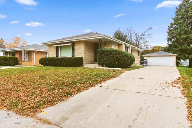 5922 N 79th St, Milwaukee, WI 53218 (#1716457) :: Tom Didier Real Estate Team