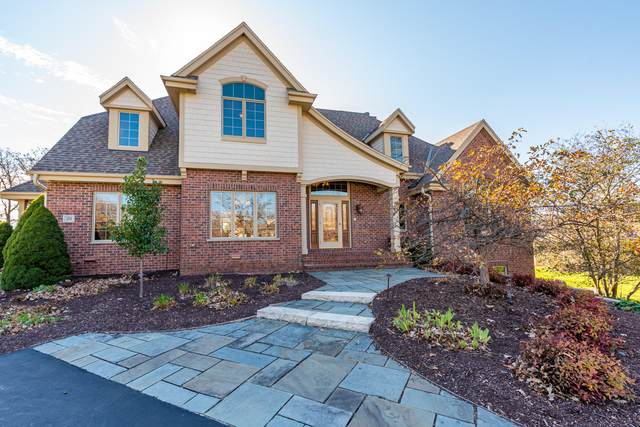 211 Muirfield Cir, North Prairie, WI 53153 (#1716584) :: Tom Didier Real Estate Team