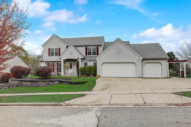 1015 Dana Ln, Waukesha, WI 53189 (#1716613) :: OneTrust Real Estate