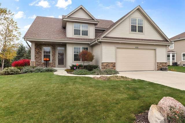 1370 Cider Cir, Mukwonago, WI 53149 (#1716732) :: Tom Didier Real Estate Team