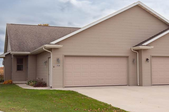 412 Crestwood Dr Unit B, Elkhart Lake, WI 53020 (#1716779) :: RE/MAX Service First Service First Pros