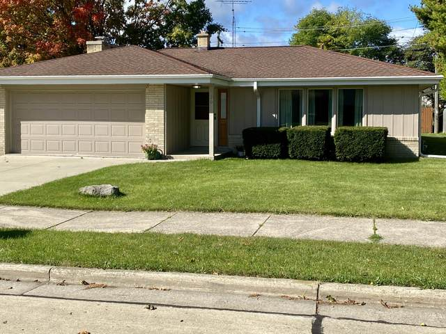 30 Illinois St, Racine, WI 53405 (#1716791) :: RE/MAX Service First Service First Pros