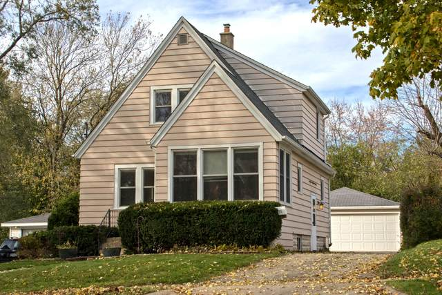1124 Lindbergh Ave, Waukesha, WI 53188 (#1716859) :: RE/MAX Service First Service First Pros