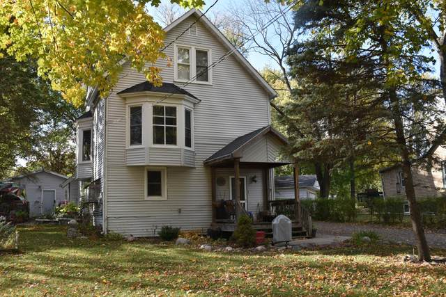 140 Willams St, Williams Bay, WI 53191 (#1716862) :: RE/MAX Service First Service First Pros