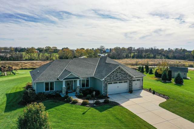 2300 Thoreau Ct, Yorkville, WI 53126 (#1716897) :: RE/MAX Service First