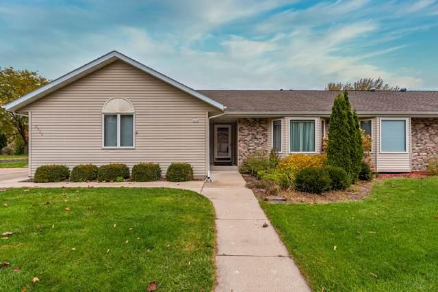 2220 Willowbrook Dr, West Bend, WI 53090 (#1716910) :: Tom Didier Real Estate Team