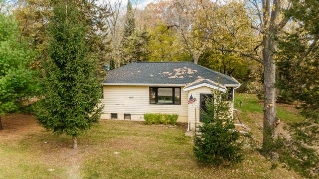 1906 N Sawyer Rd., Summit, WI 53066 (#1717064) :: OneTrust Real Estate