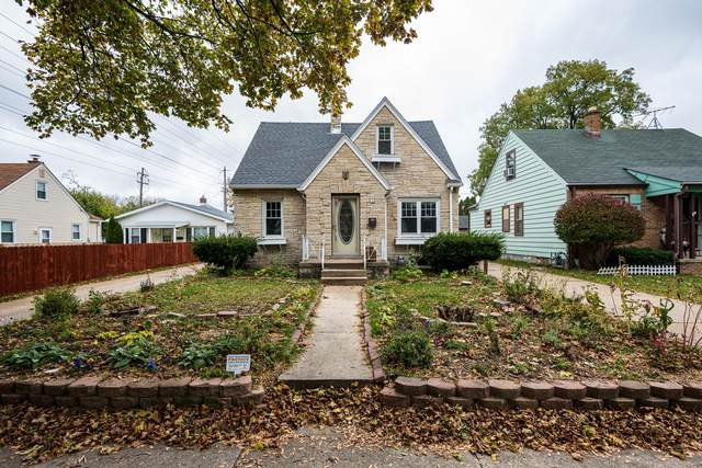122 S 77th Street, Milwaukee, WI 53214 (#1717104) :: Tom Didier Real Estate Team
